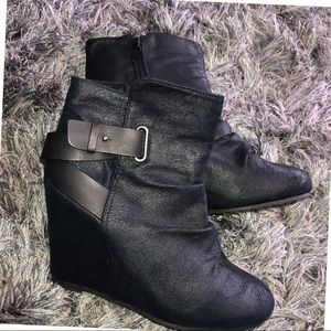 ALDO   Strap Up Slouch Black Ankle Boots 10